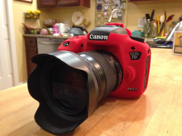 The easyCover 'installed' on my Canon 7D Mark II.